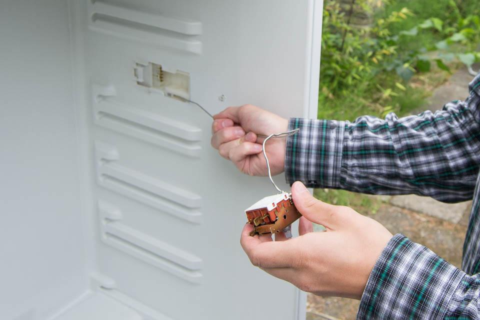Fridge hacking guide: converting a fridge for fermenting